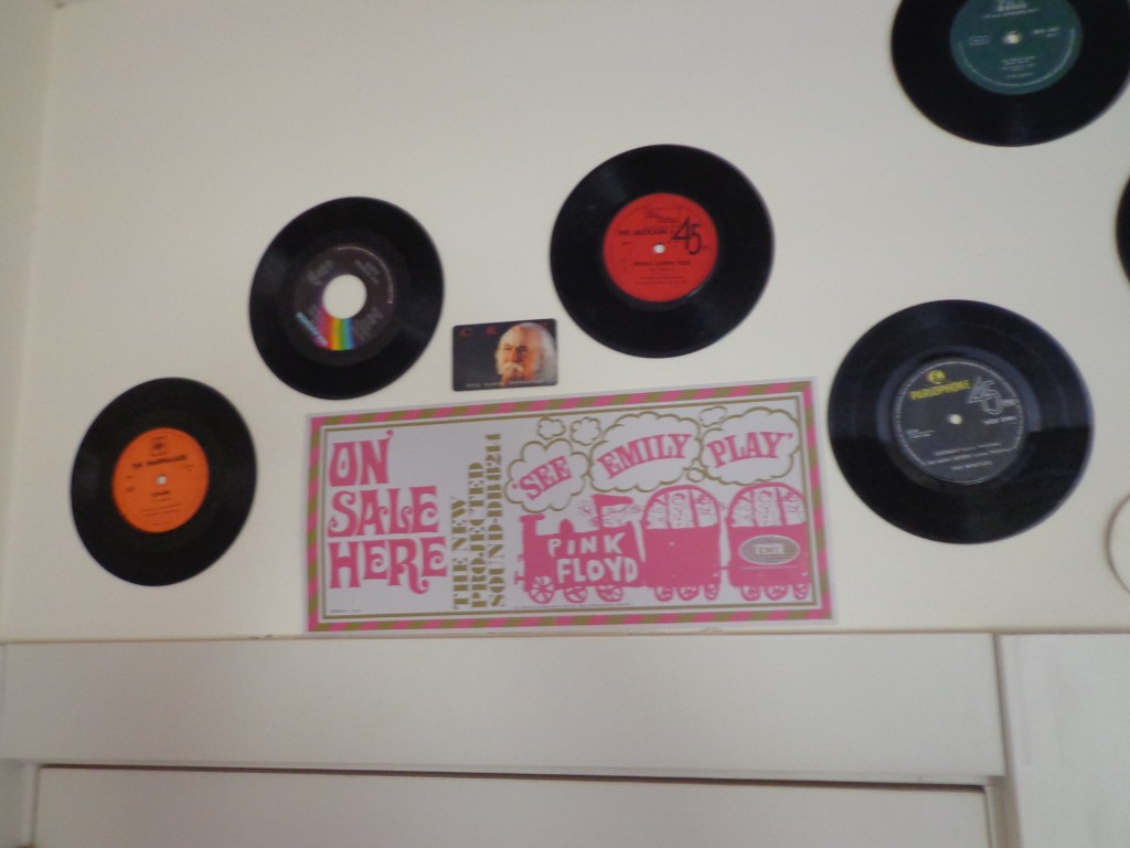 תקליטים לקישוט על הקיר