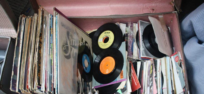 קונים תקליטים